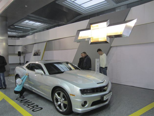 Стенд Chevrolet на Автошоу на столичном, 2013