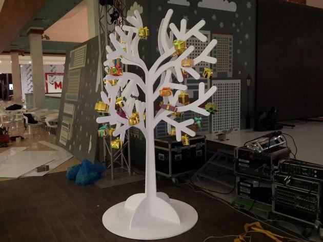 Муляж дерева с подарками, 2014