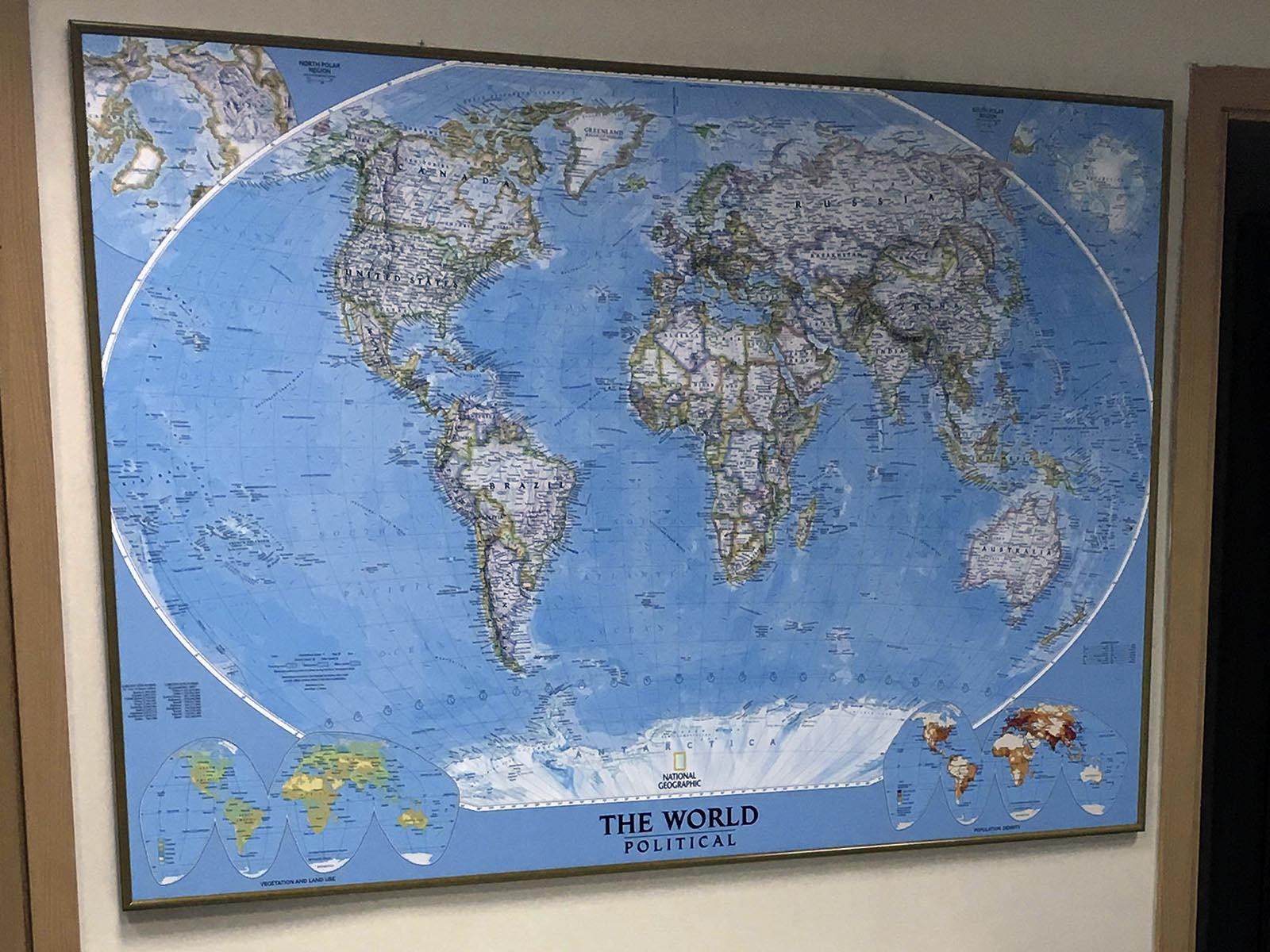 Карта мира в рамке (№164)