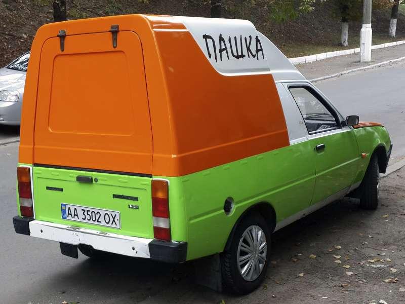 Окелейка пленкой легкового авто реклама (№822)