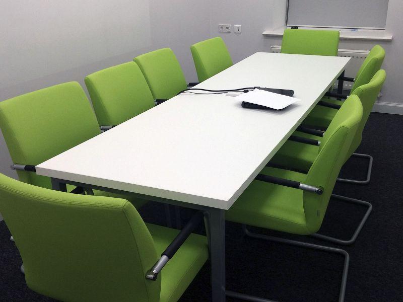 Стол офисный для проведения совещаний