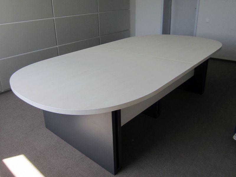 Стол для комнаты переговоров