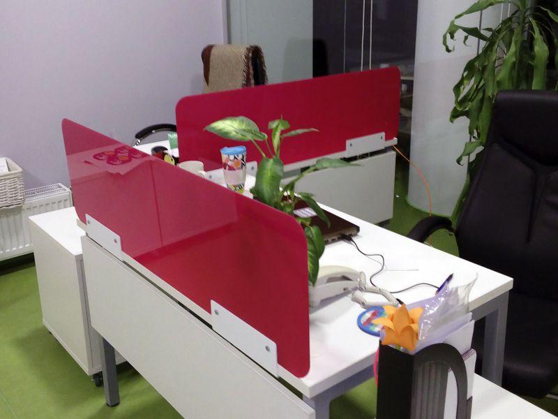 Перегородки на офисные столы