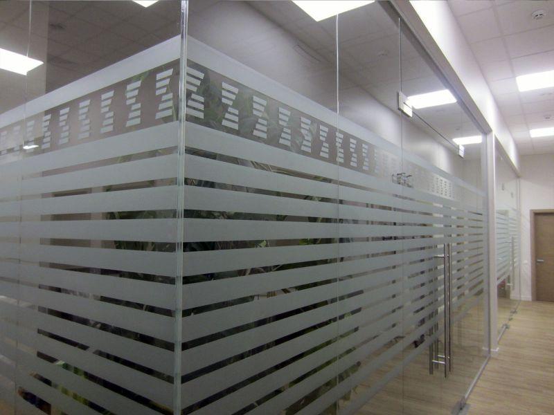 Оклейка стеклянных перегородок стоимость (№1366)