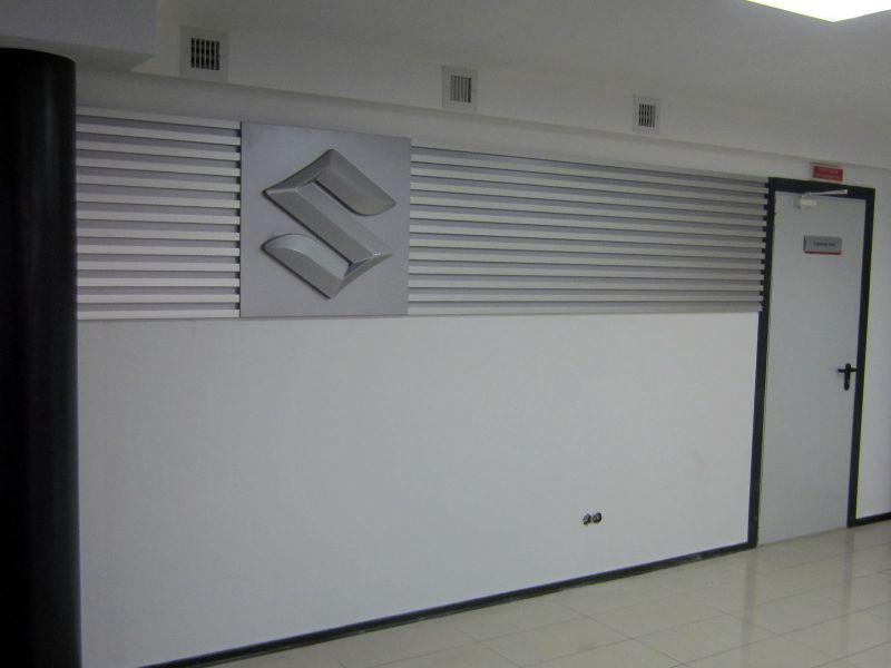 Декоративная панель на стену для автосалона (№1398)
