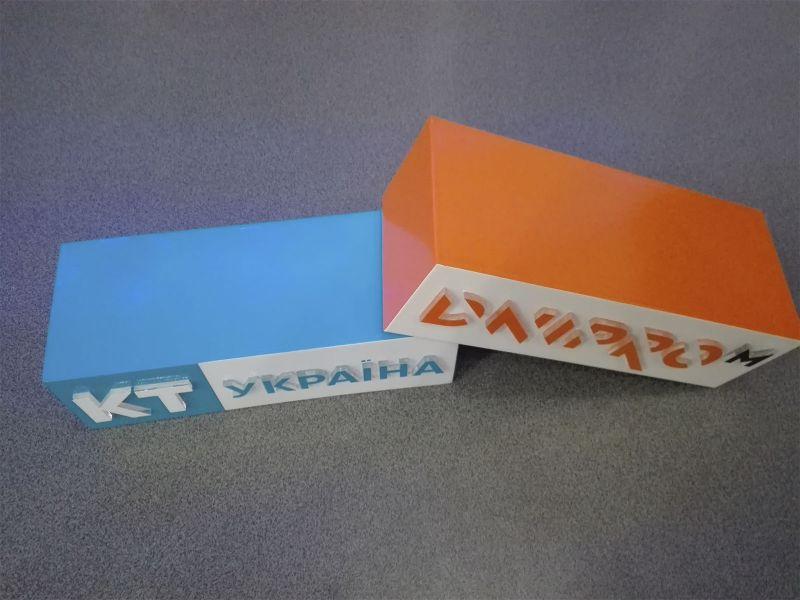 Таблички с объемными буквами