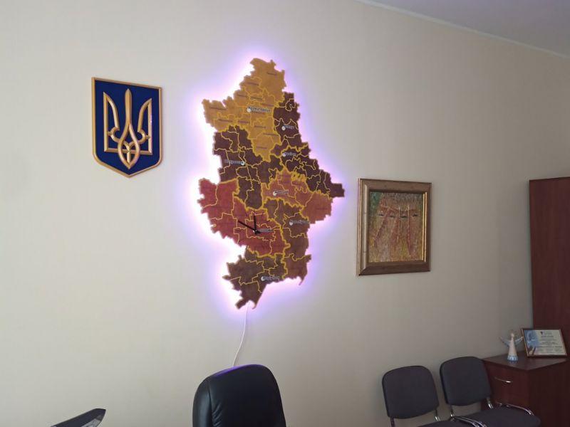 Карта Донецкой области с подсветкой и часами